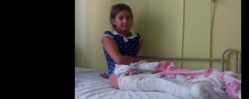 Natasza - dziewczynka ranna i osierocona podczas wojny na Ukrainie