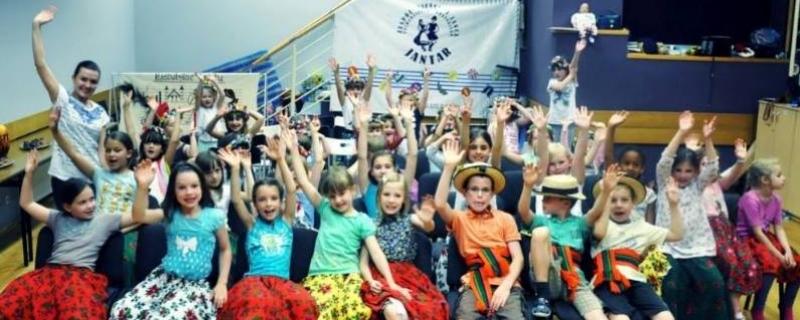 Dzieci uczestniczące w Folkowych Wakacjach