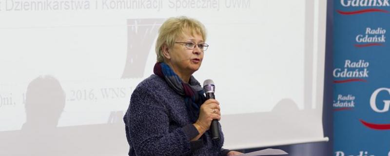 Red. Alina Kietrys