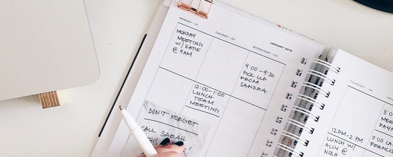 Kalendarz Photo by STIL on Unsplash