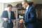 Prof. Kan Yunchao i prof. dr hab. Piotr Stepnowski po podpisaniu umowy